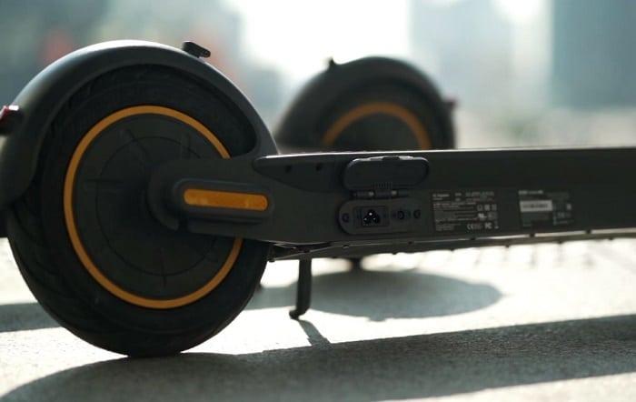 Trottinette électrique Ninebot Max, Trottinette électrique adulte, Trottinette électrique grande autonomie, Ninebot Max, Ninebot, Trottinette électrique 25 km/h, Trottinette électrique 60 kilomètres d'autonomie, Trottinette électrique bridée à 25 km/h